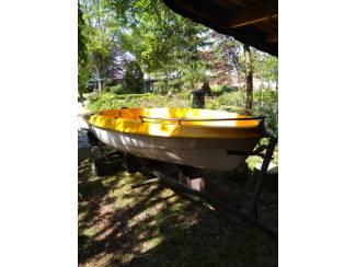 Roeiboot ook als vis- en zeilbootje te gebruiken