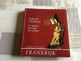 Boek ; FRANKRIJK ;Prachtig exemplaar of een trip of reis te maken
