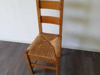 Eikenhouten tafel met stoelen
