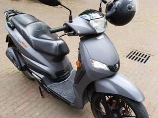 Scooters Peugeot tweet rs 2014