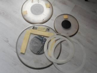 3 tal drumvellen 1x basbrum(ludwig) 1x 12 inch en 1x 16 inch remo