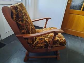 Vintage stoel. Zit perfect en ziet er prima uit