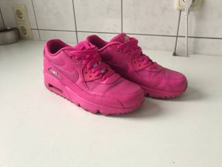 Nike Air Max 90 Felroze maat 38