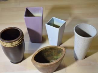 5 aardenwerk vazen