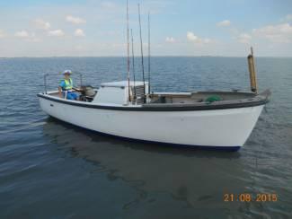 vissersboot met dieselmotor