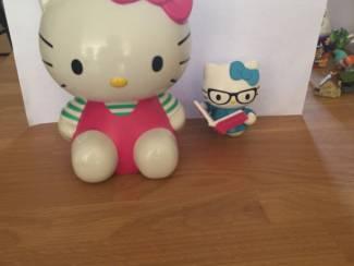 curiosa Hello Kitty