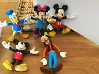 5 Donald Duck figuurtjes( tussen de 12 en 17 cm groot)