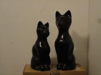 2 aardewerken decoratie katten.
