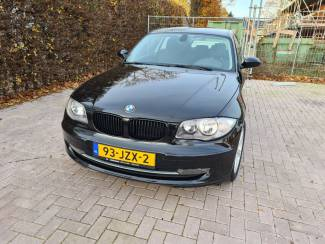 BMW 1 serie 118i 3dr zwart
