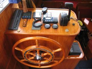 Motorboten LIGHTHOUSE YACHT BROKERS | JACHTMAKELAAR | BOOT VERKOPEN