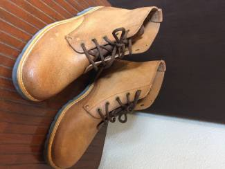 2 paar enkel laarzen en 1x sneakers