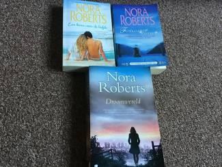 3 prachtige boeken met 5 verhalen van NORA ROBERTS