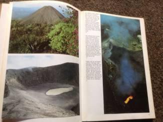Overige Boeken en Diversen 38 ARTIS Boeken met prenten kennis v/h land Deel 2