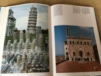 Boek Italie .Prachtig exemplaar eventueel een reis te boeken