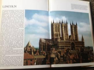 Boek van Kathedralen ,prachtige kerken,unieke gebouwen enz..