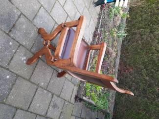 Oude rustieke stoel