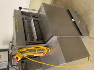 Industriele vleessnijmachine (sneetjes) - merk Renove