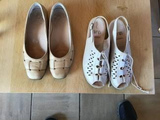 2 Paar schoenen , een nieuwe en een gebruikte maat 36