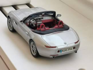 BMW Dealer Z8 1/12 KYOSHO + Hardtop # 80430020877 Grijs 37 cm!