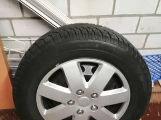 Autobanden WINTERBANDEN INCL. STALEN VELG (4 STUKS)