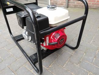 Aggregaten Aggregaat 5 kW 230-400 V,  merk Honda (benzine)