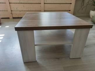 Complete inboedels Dressoir, eettafel, stoelen, salontafel