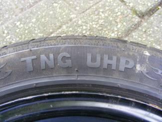 Autobanden STAR PERFORMER TNG UHP zomerbanden 195/50R15 op stalen velgen