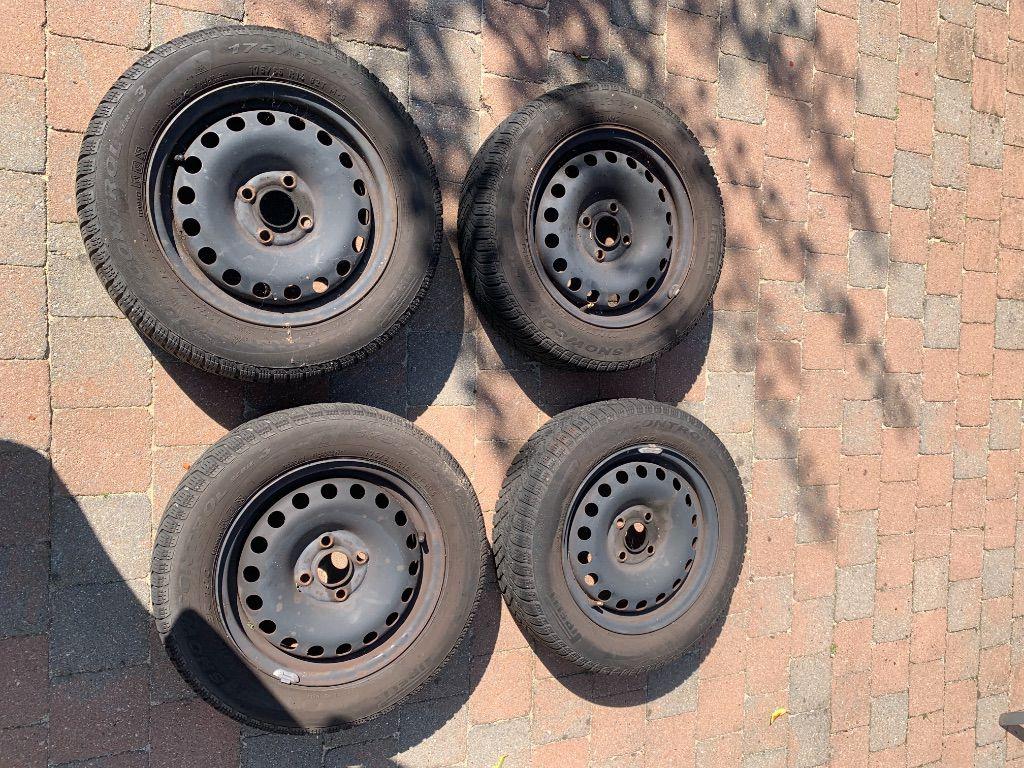 4 Velgen met winterbanden R14 65x175 voor o.a Daihatsu gran move