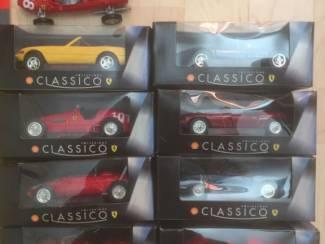 serie van 8 ferrari's van classico collection 15 cm