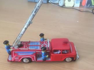 blikken brandweerauto 27 cm